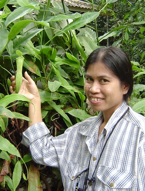 ann with pitcher plant