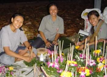 3 ladies making gratongs