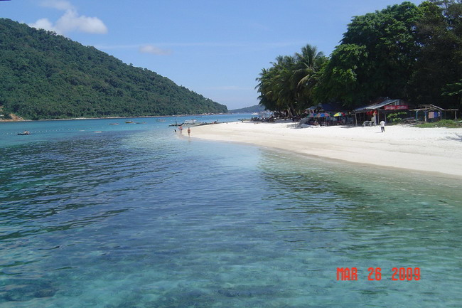 the tuna bay resort beach